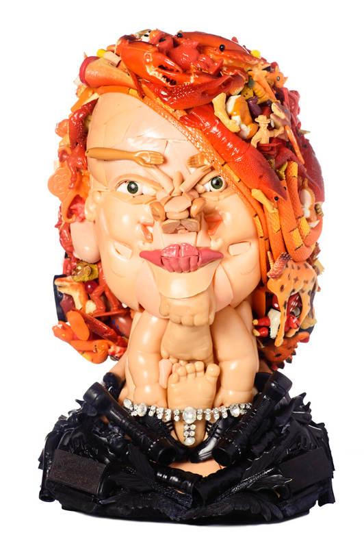 Скульптуры из кукол 5