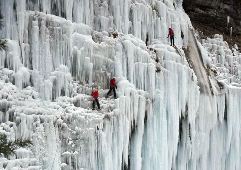 frozen-waterfall-slovenia