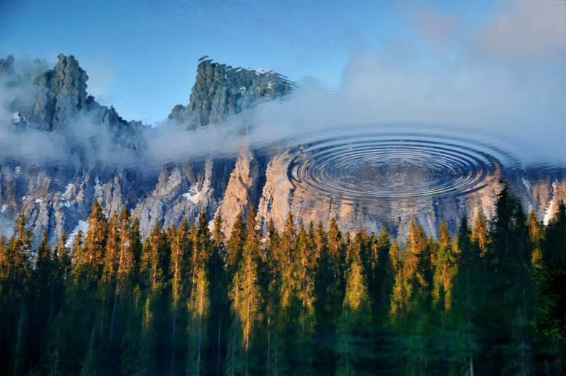 Отражение воды в пейзаже
