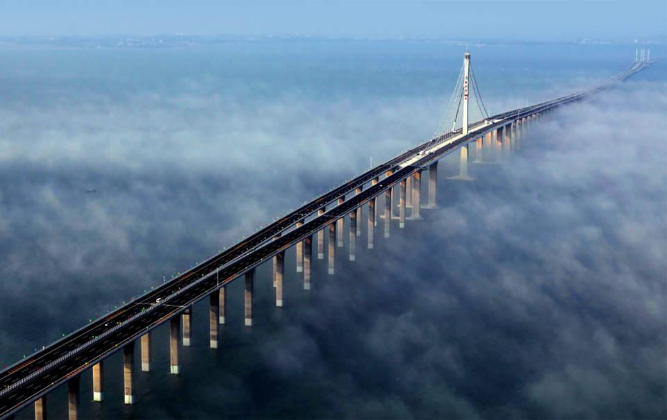 Самый длинный мост в мире Фотографии Китая