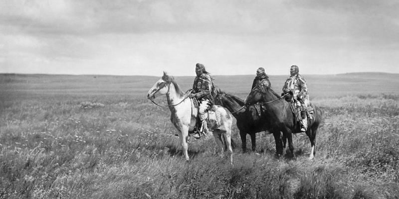 Фотография Эдварда Шери́ффа Кёртиса, «Три вождя чернокожих», 1900 год