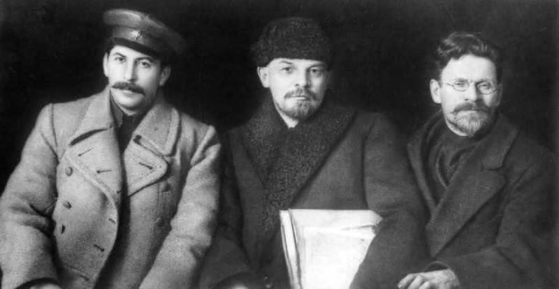 Фотография столпов морального оплота советской государственности, снимок сделан во время VIII съезда партии в марте 1919 года