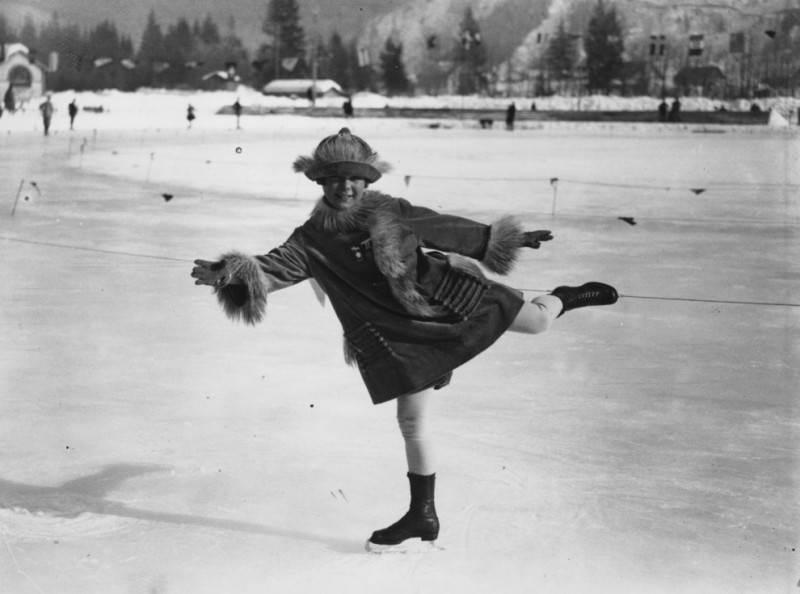 Фотография самой юной участницы Первых зимних Олимпийских игр – Сони Хени, 1924 года