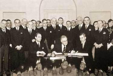 Фотография подписания Пакта Рериха в Белом доме в Вашингтоне, 1935 год