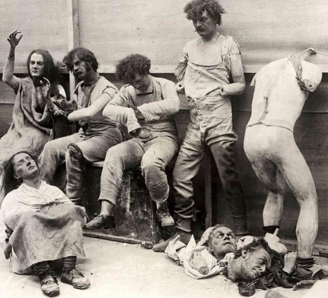 Фотография расплавленных фигур Музея мадам Тюссо, после пожара, 1930 год