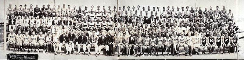 Фотография всех национальных команд по гребне, участвовавших в Летних Олимпийских игра, 1932 год