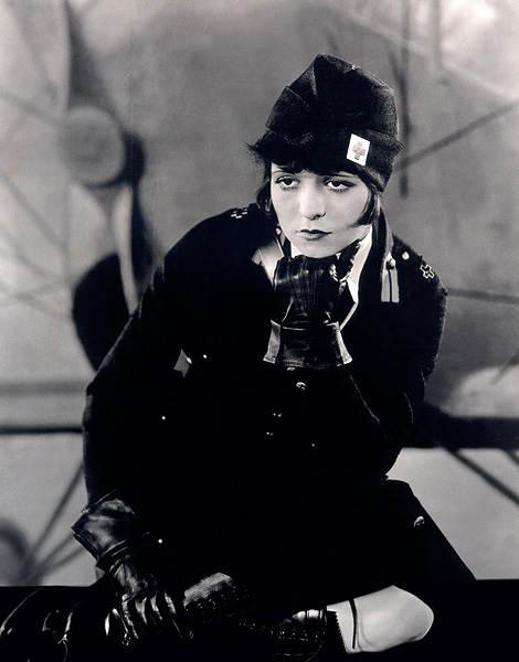 Фотография Клары Боу в фильме «Крылья», 1927 год