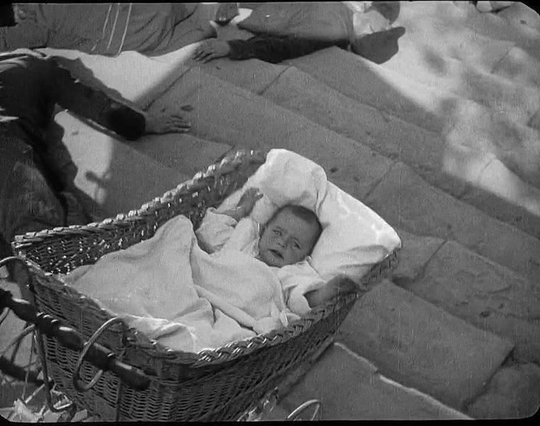 Фотография кадра фильма «Броненосец Потемкин», С. М. Эйзенштейна, 1925 год