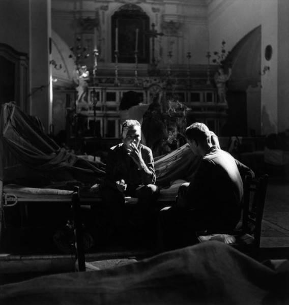 Величайший военный фотограф Роберт Капа 17