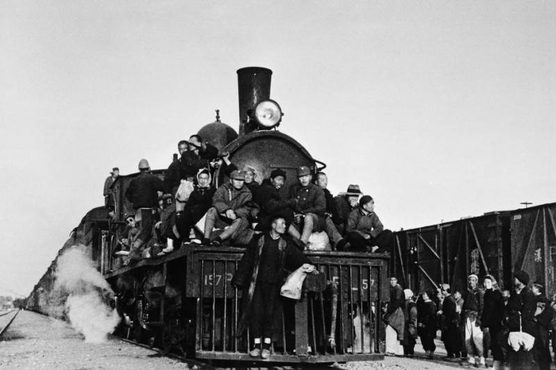 Величайший военный фотограф Роберт Капа 2