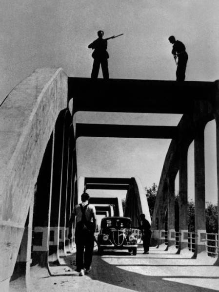 Величайший военный фотограф Роберт Капа 3