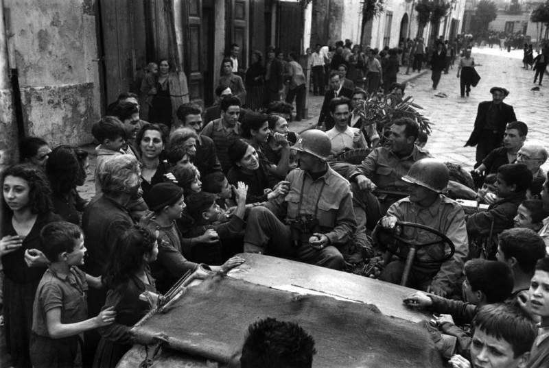 Величайший военный фотограф Роберт Капа