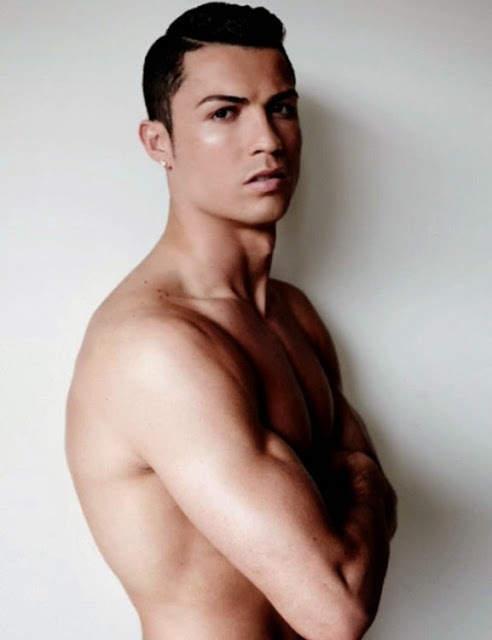 Ирина Шейк (Irina Shayk) и Криштиану Роналду (Cristiano Ronaldo) для Vogue Испания 10