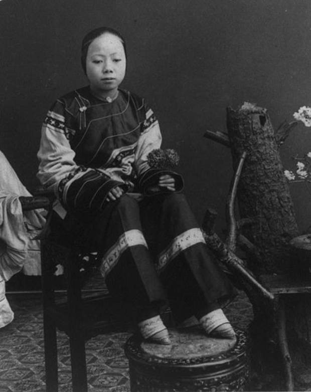 Эволюция женской красоты. Странные тенденции Маленькие ноги Японок