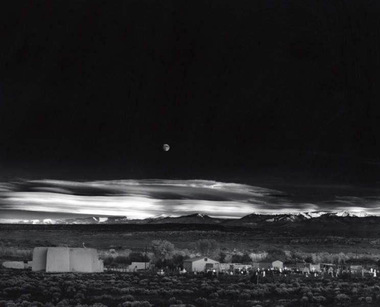 Самые дорогие фотографии в мире. Восход луны, Эрнандес, Нью-Мексико 610 000 $