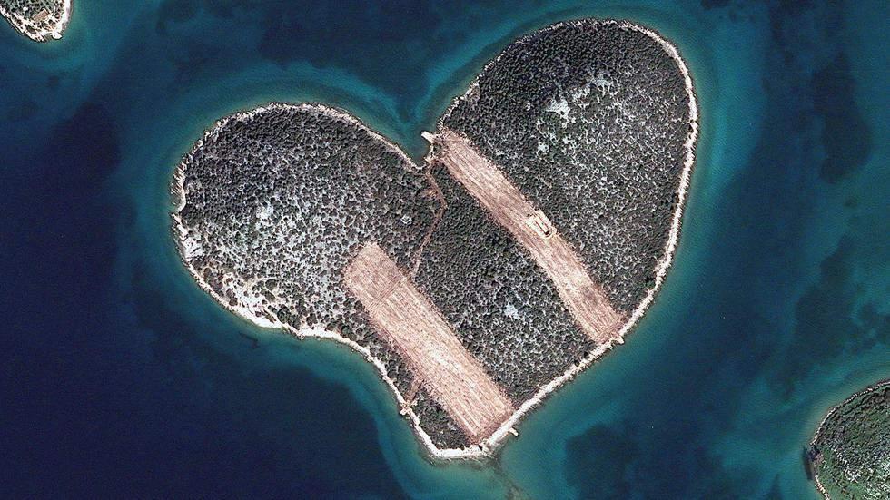Остров в виде сердца Самые красивые места планеты 10