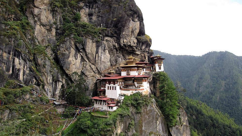 Храм на скале Самые красивые места планеты 15