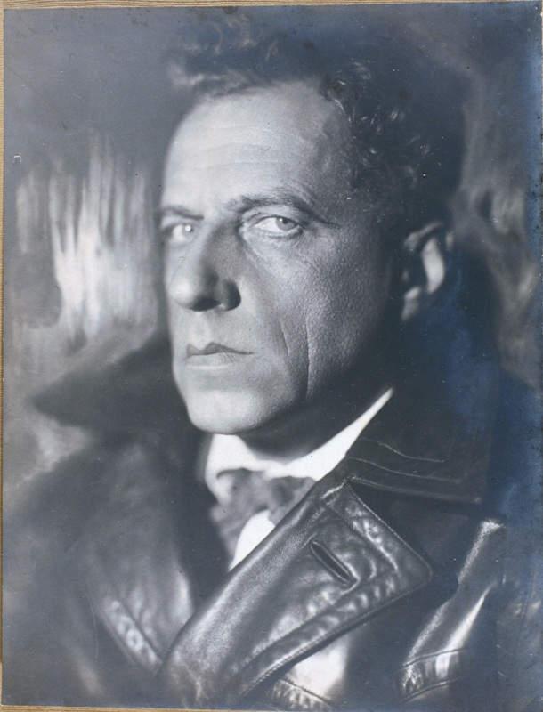 Режиссер, актер и педагог Всеволод Мейерхольд. Фото: Моисей Наппельбаум (1929 г.).