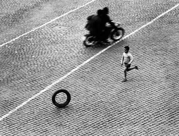Потрясающие черно-белые фотографии Herbert List