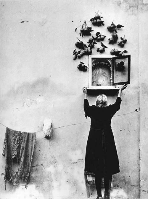 Потрясающие черно-белые фотографии Enzo Sellerio