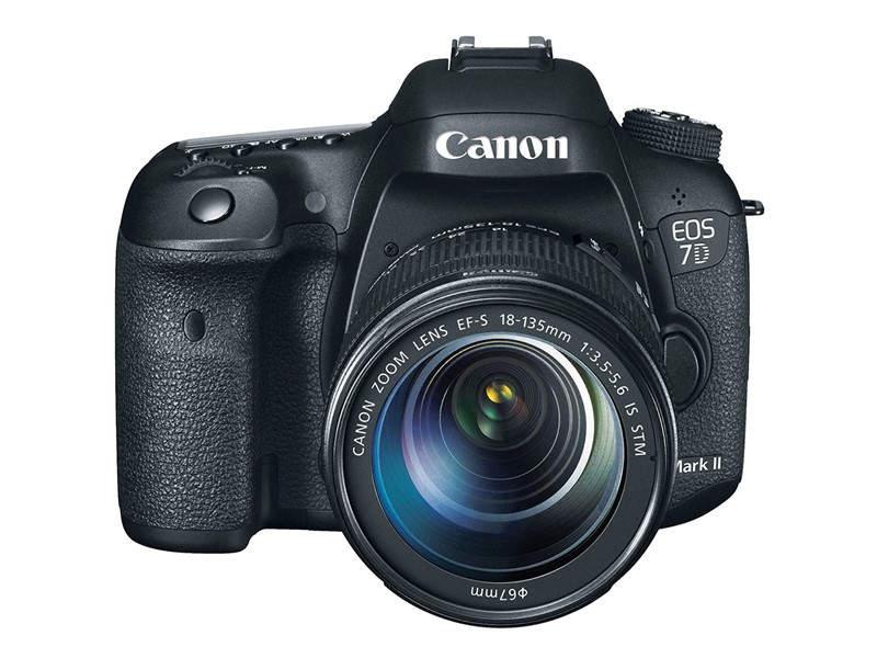 Зеркальный фотоаппарат Canon EOS 7D Mark II
