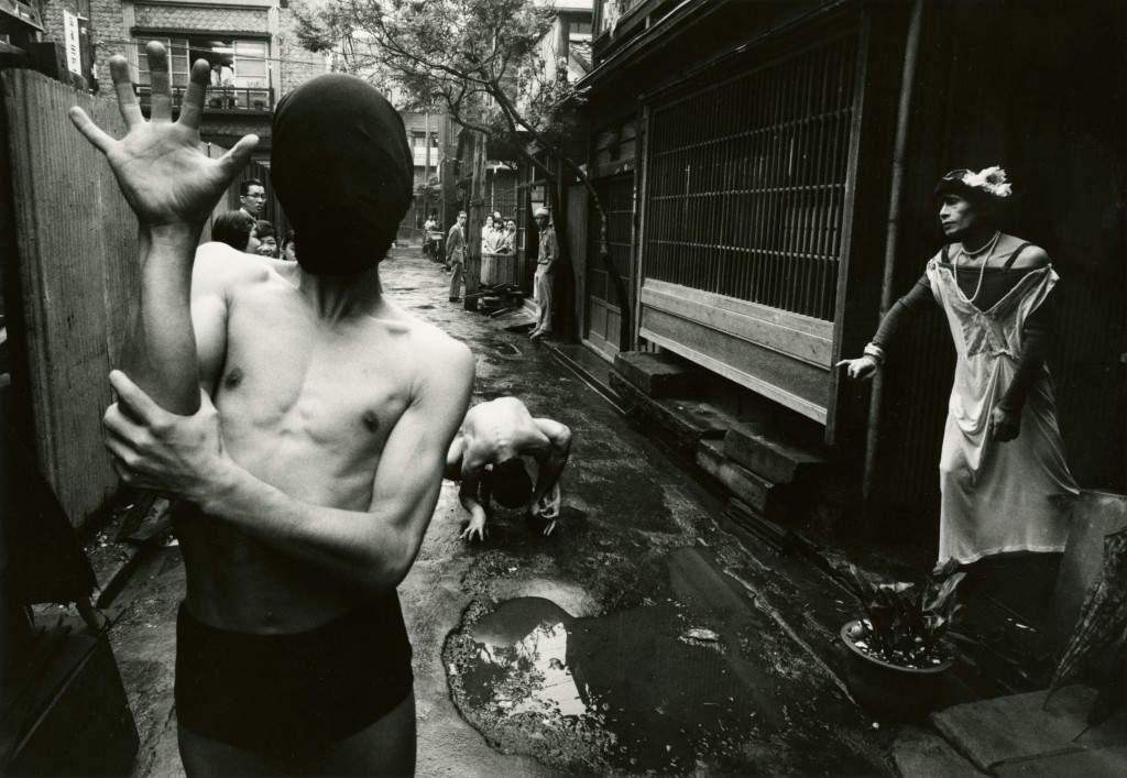 Дайдо Морияма (Daido Moriyama) – известный японский фотограф 13