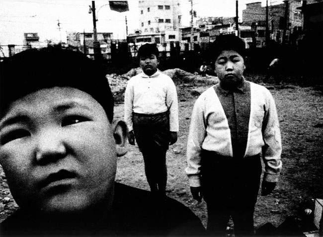 Дайдо Морияма (Daido Moriyama) – известный японский фотограф 5