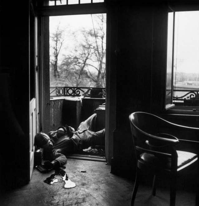 Как стать Величайшим Уличным фотографом 8 советов от Роберта Капы (Robert Capa) 4