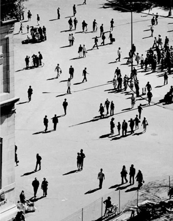 Величайший график фотографии Андре Кертеc(Andre Kertesz) 18