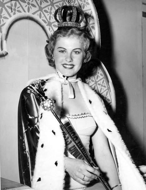 Фотография победительницы конкурс «Мисс Вселенная 1952» Армии Куусел, 1952 год