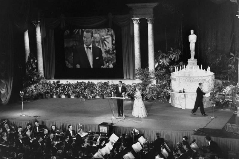 История в фотографиях 1950-1953 Фотография церемонии награждения Премии Оскар, 1953 год