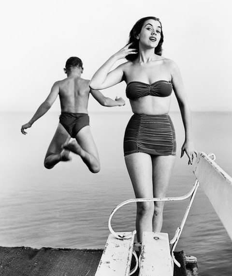 История в фотографиях (1950-1953) Фотография победительницы первого конкурса «Мисс Мира 1951 года» - Крестин Хаконссон, 1951 год