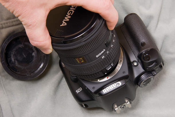 Как правильно менять объектив на фотоаппарате 3