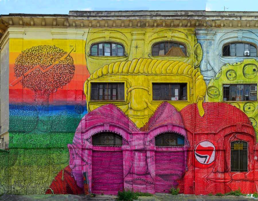 Дом с глазами от Blu. Уличное искусство в Риме