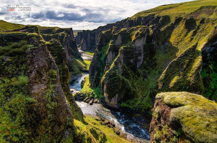 Самый красивый каньон в мире — Fjaðrárgljúfur