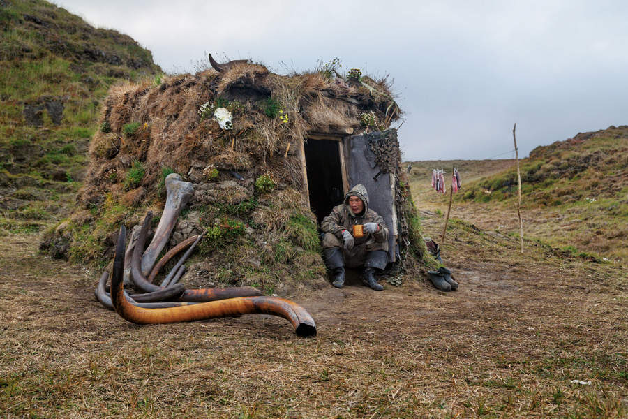 Евгения Арбугаева (Evgenia Arbugaeva) и Mammoth hunters 6