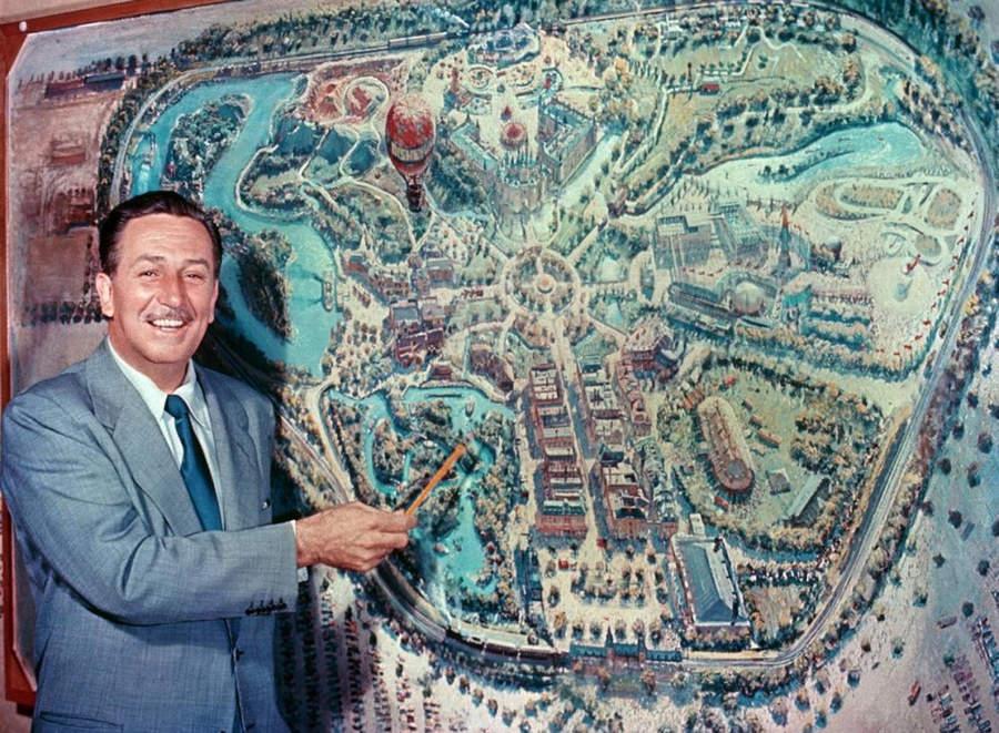 История в фотографиях (1954 - 1957) Открытие Диснейленда, 1954 год