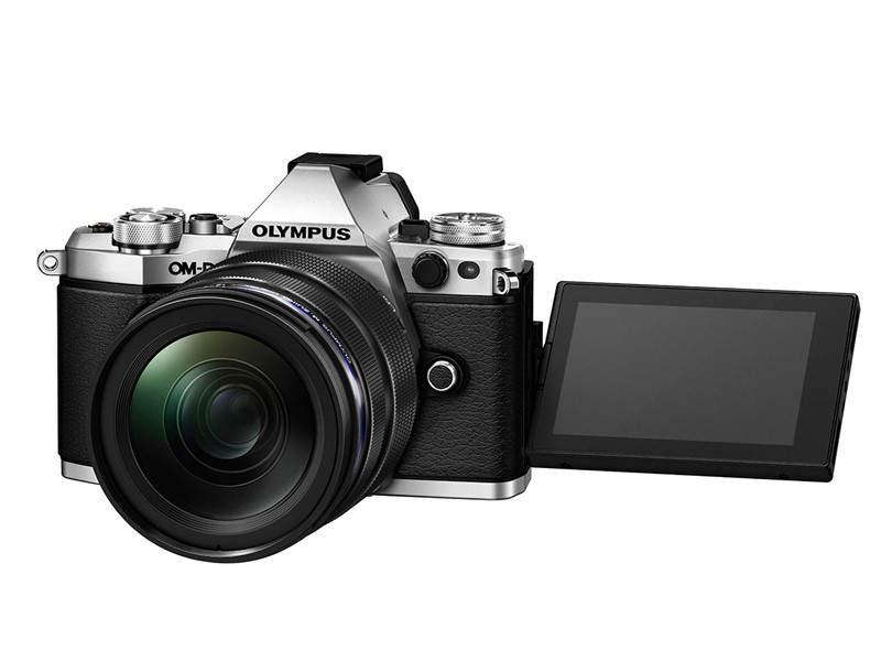 Беззеркальный фотоаппарат Olympus OM-D E-M5 II 2