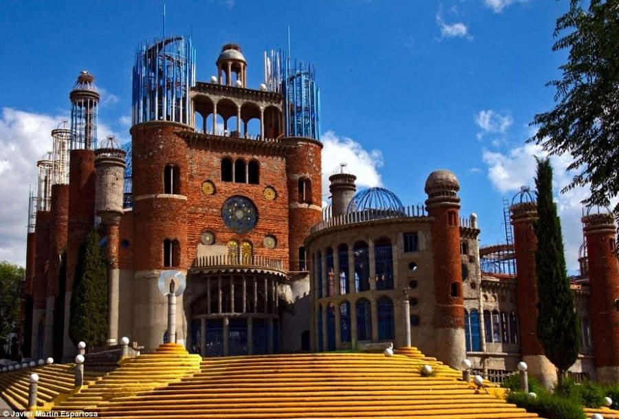 Собор монаха Хусто Гальего Мартинеса 10 самых невероятных строений, созданных одним человеком