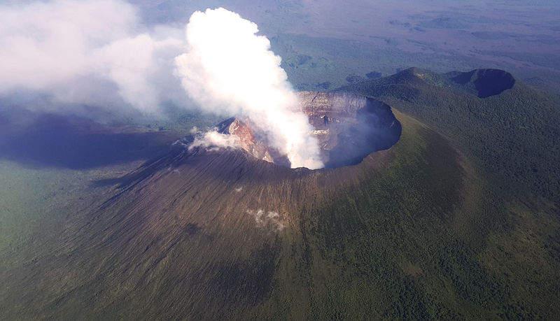Самые активные вулканы в мире Ньирагонго