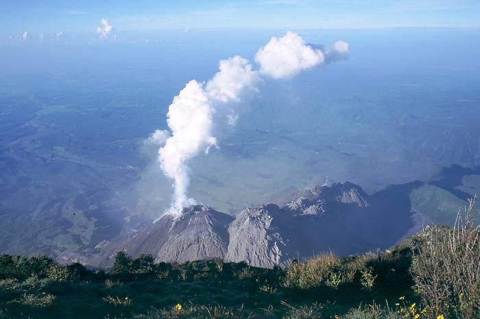 Самые активные вулканы в мире Санта-Мария