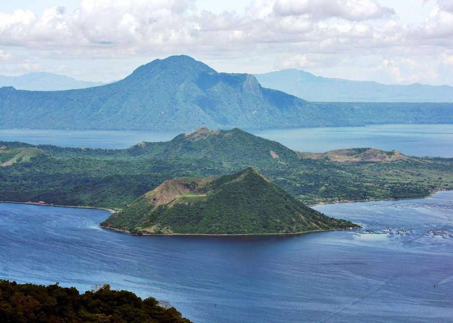 Самые активные вулканы в мире Таль