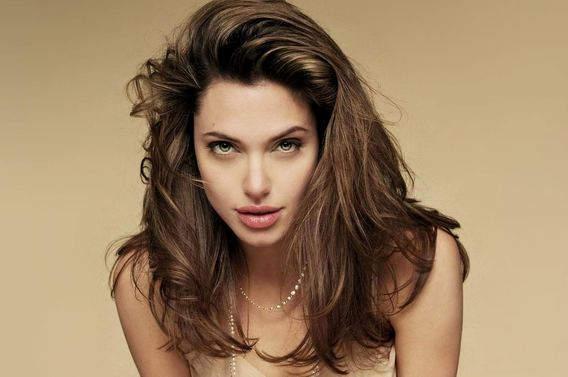 Топ 10 самых красивых актрис Голливуда 2014 года. Анджелина Джоли (Angelina Jolie)