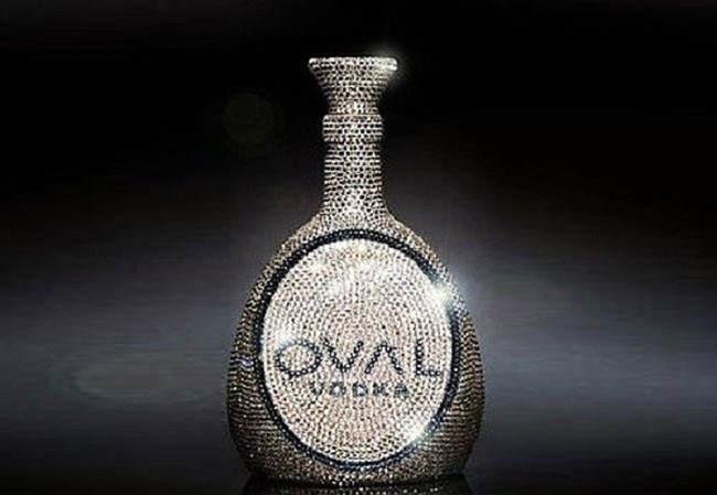 Овальная водка с кристаллами Swarovski ($ 6922)