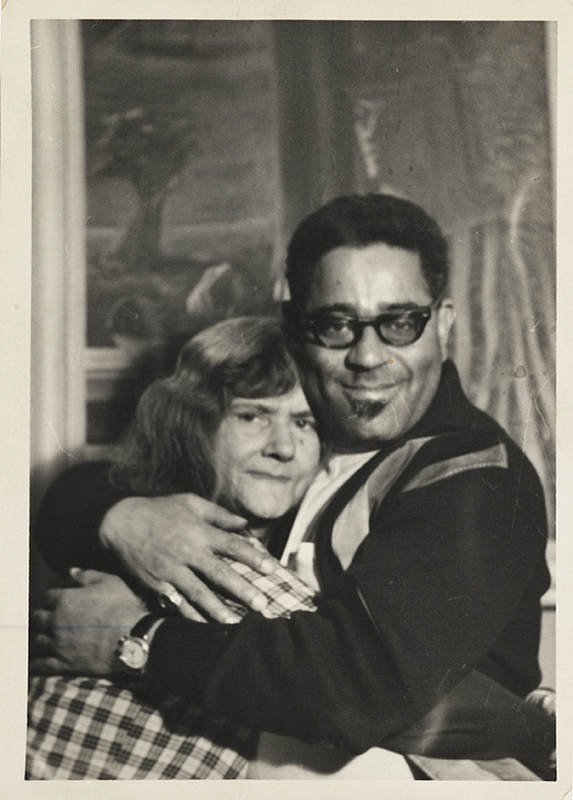 Интимные фотографии знаменитостей в фотоальбоме Merry Foresta 10
