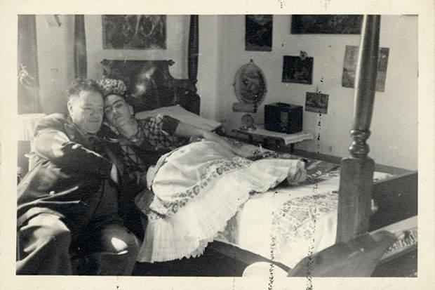 Интимные фотографии знаменитостей в фотоальбоме Merry Foresta 2