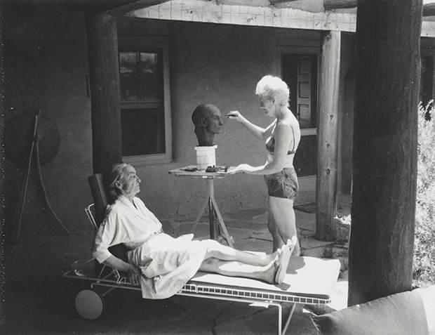 Интимные фотографии знаменитостей в фотоальбоме Merry Foresta 6