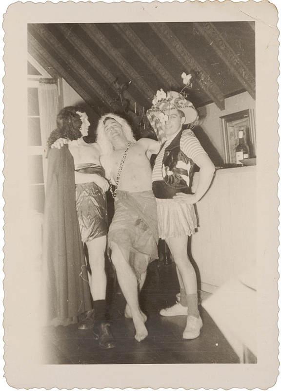 Интимные фотографии знаменитостей в фотоальбоме Merry Foresta 7