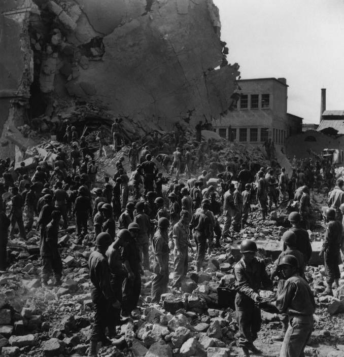 Вторая мировая война в объективе Роберт Капа (Robert Capa) 19