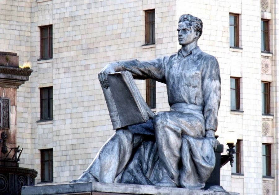 Монументальный идеолог - Вера Мухина 3